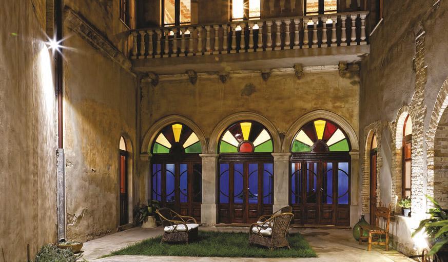 Sulle tracce del liberty con visita a casa xaxa for Piani di casa cortile interno